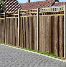 Closeboard Panel Fencing With Trellis Tops