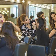 12 places offering professional makeup