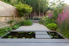 tricks to make your garden appear larger