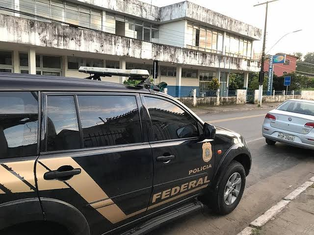 Resultado de imagem para OPERAÇÃO DA PM CONTRA FRAUDES NO INSS CUMPRE MANDADOS DE PRISÃO E BUSCA E APREENSÃO NA BAHIA