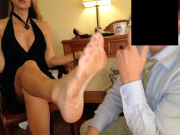 Amazon Eve's Feet << wikiFeet