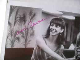 LARAINE NEWMAN PHOTO SIGNED AUTOGRAPH PERFECT 1985
