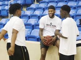 Local hoops hero Sonny Weems shows hometown love with 'Weems Week' -  TSDMemphis.com