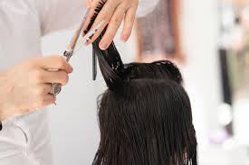 Parrucchieri ed estetisti in ginocchio, già 44 milioni di euro di perdite.  Le proposte di Confartigianato per riaprire i saloni – S&H Magazine