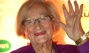 Royle Family star Liz Smith dies aged 95 | HELLO!