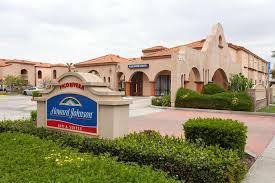 Howard Johnson Hotel & Suites by Wyndham Pico Rivera | Los Angeles ...