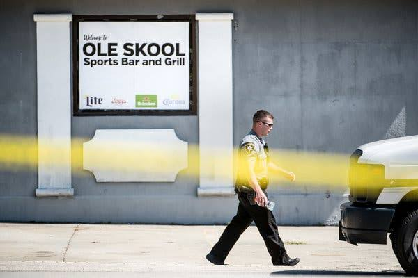 Old Skool Sports Bar & Grill GUN ATTACK ile ilgili görsel sonucu
