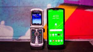 Motorola Razr showdown: Original V3 vs. the new foldable screen one - CNET