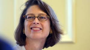 Abigail Johnson succeeds father as Fidelity chairman | Financial Times