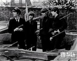 A HARD DAY'S NIGHT UK 1964 Richard Lester THE BEATLES: JOHN LENNON, RINGO  STARR, GEORGE HARRISON, Stock Photo, Picture And Rights Managed Image. Pic.  UAI-00677728 | agefotostock