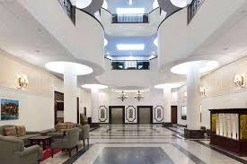 wyndham garden hotel baronne plaza