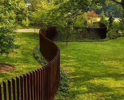 Modern Fence Ideas For Your Backyard Modern Landscaping Modern Landscape Design Backyard Fences
