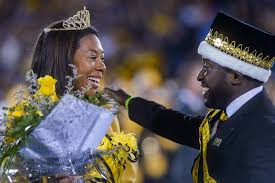 Homecoming Queen Bri Dinwiddie and King Clayton Johnson meet at midfield |  Sports | columbiamissourian.com