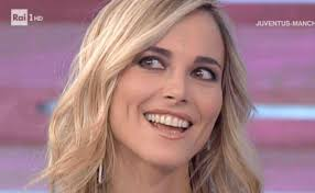 Francesca Fialdini senza trucco e spettinata: la 40enne come non l ...
