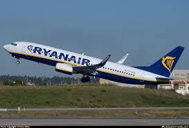 Bari, voli Ryanair cancellati: denuncia in Procura. Emiliano ...