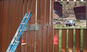Border Officials Repair Garage Sized Hole Cut Into Arizona Mexico Fence By Smugglers Daily Mail Online