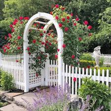 20 White Picket Fence Landscaping Ideas And Designs