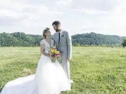 middle fork barn wedding venue in