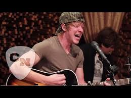 Adam Sanders - Nothin' To Do But Drink | Hear and Now | Country Now -  YouTube