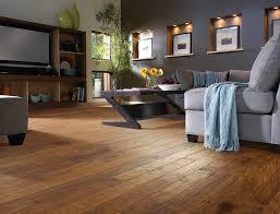 4 روش ایمن برای تمیز کردن کفپوش پارکت چوبی و لمینت | مجله کوروش