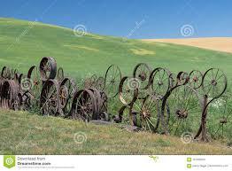 Wagon Wheel Fence Stock Photo Image Of Lawn Landmark 101639204