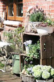 repurposed garden decor ideas for the