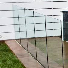 Glass Fencing From Bunnings Surprisingly Cheap At 92 90 Per 1000 X 1300mm Panel Would Love To Have It Arou With Images Backyard Fences Front Yard Fence Modern Fence