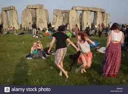 Stonehenge, Inghilterra, 21 Giugno 2017: spirituale festaioli ...