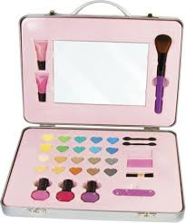 glam first makeup set in carry case