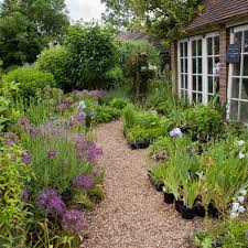 Want A Gorgeous Garden Fast Here S What To Plant This Fall Wsj