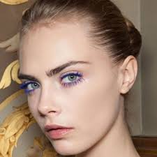 how to wear blue mascara no matter what