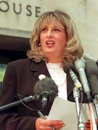 Morre Linda Tripp, peça-chave do escândalo Lewinsky nos EUA   Mundo