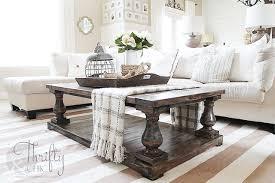 farmhouse coffee table décor ideas