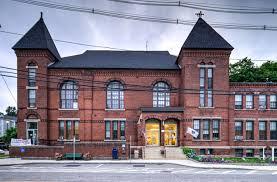 Uxbridge Town Hall - Wikipedia