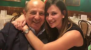 Magalli lascia la fidanzata di 22 anni.