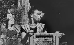 frida kahlo photographs of the artist