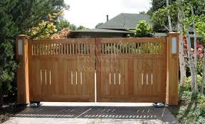 Prowell Woodworks Wood Driveway Gates 2 In Palo Alto Ca Driveway Gate Wood Gates Driveway Wooden Gates Driveway