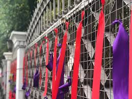 Cnn Philippines On Twitter Look Supreme Court Compound Gates Tied With Purple And Red Ribbons Purple Symbolizes Support For Chief Justice Maria Lourdes Sereno While Red Is Associated With Ouster Move Against