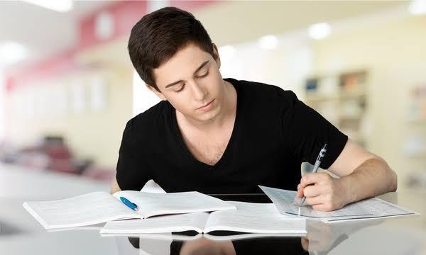 Resultado de imagen de jovenes estudiando