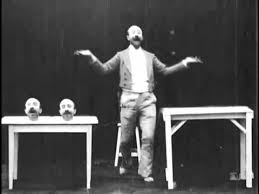 Un homme de têtes (or The Four Troublesome Heads) by Georges Melies, 1898 -  YouTube