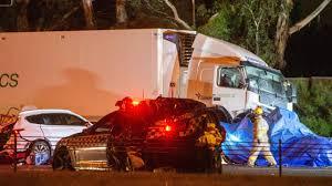 Fwy crash kills four police officers ...