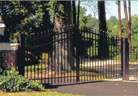 Almost All Of The Garden Gate Design Options Are Available As A Driveway Gate Description From Fencegate Blogspot C Aluminum Fence Gate Gate Design Fence Gate