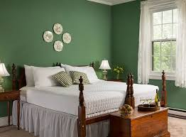 choose paint colors for large rooms