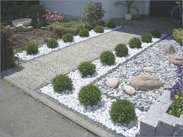 front garden design with boxwood
