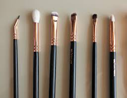 a pro guide to makeup brushes for eyes