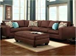what colors go with a brown couch