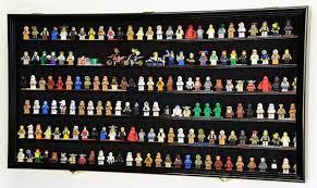 displaying lego minifigures brick
