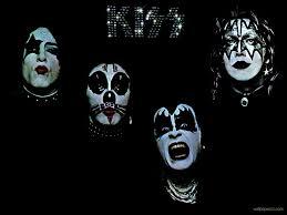kiss kiss wallpaper 23519963 fanpop