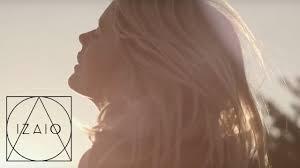 CASSANDRA SMITH x BERSHKA START MOVING COLLECTION x IZAIO - YouTube