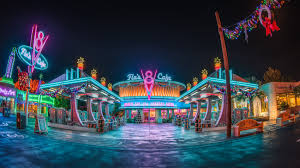 تحميل خلفيات 4k فلوس V8 مقهى ليلة إضاءات Disney California